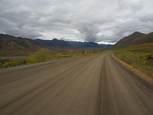 Road under friendly conditions -> Dempster Highway (Kanada)